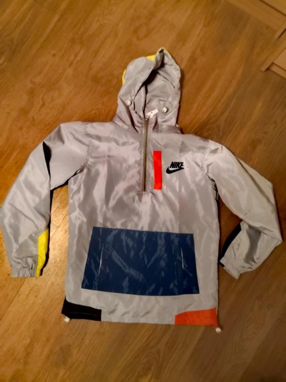 Wiatrówka Nike