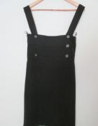 Elegancka czarna spódnica za kolano wysoki stan...