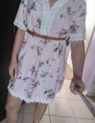 Nowa z metka pudrowa sukienka z gipiura M...