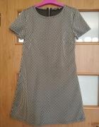 Dziewczęca sukienka na co dzień...