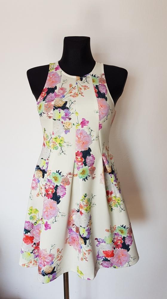 Sukienka w kwiaty H&M