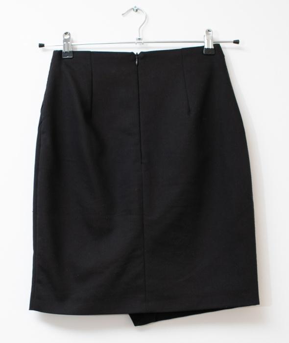 Mohito elegancka spódnica faktura czarna granatowa ołówkowa wizytowa