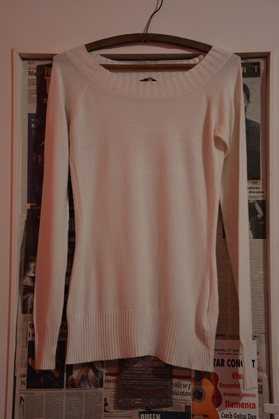 Elegancki biały sweter
