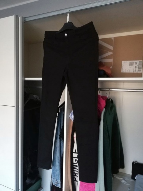 H&M Super Skinny High Jeans...