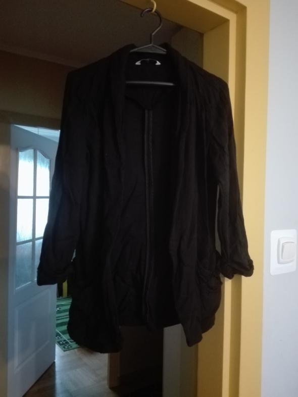 Narzutka czarna New Look...