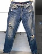 Zara jeansy boyfriend spodnie jeans dziury...