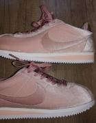 Nike cortez velvet pink...