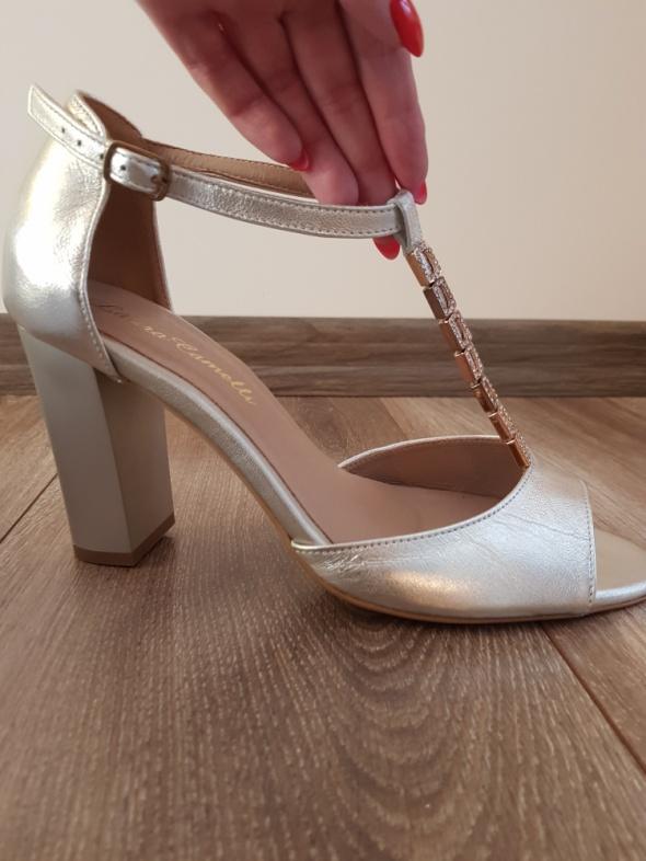 Ślubne obuwie skóra Laura Camelli złoto srebro
