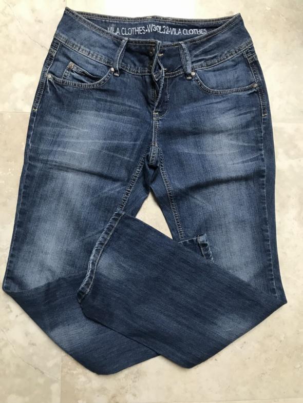 Niebieskie jeansy dżinsy