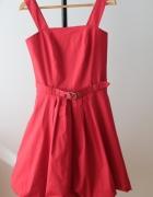 Czerwona rozkloszowana sukienka rozmiar 36...