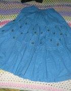 niebieska spódnica w kropki...