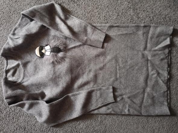 Szara tunika sweter