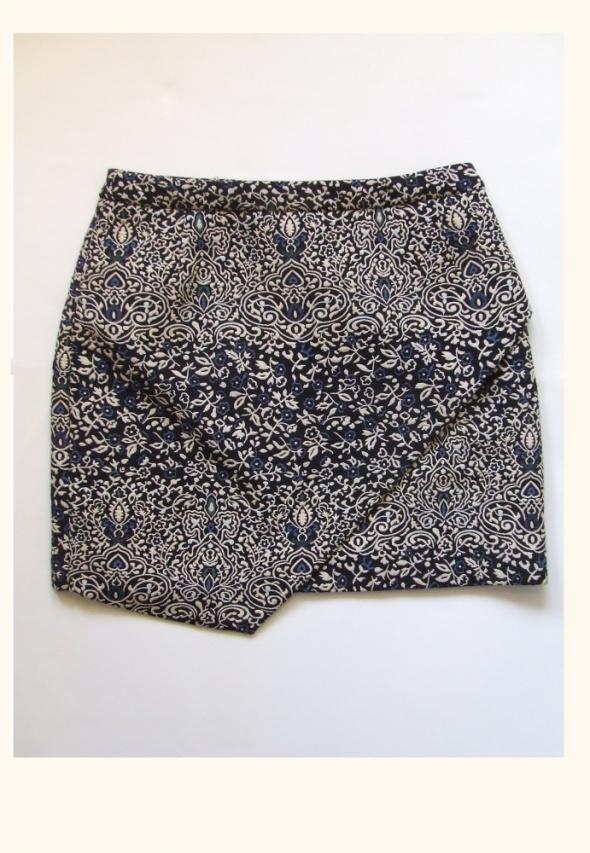 Spódnice Spódnica mini boho print wypukły asymetryczna 38 M H&M