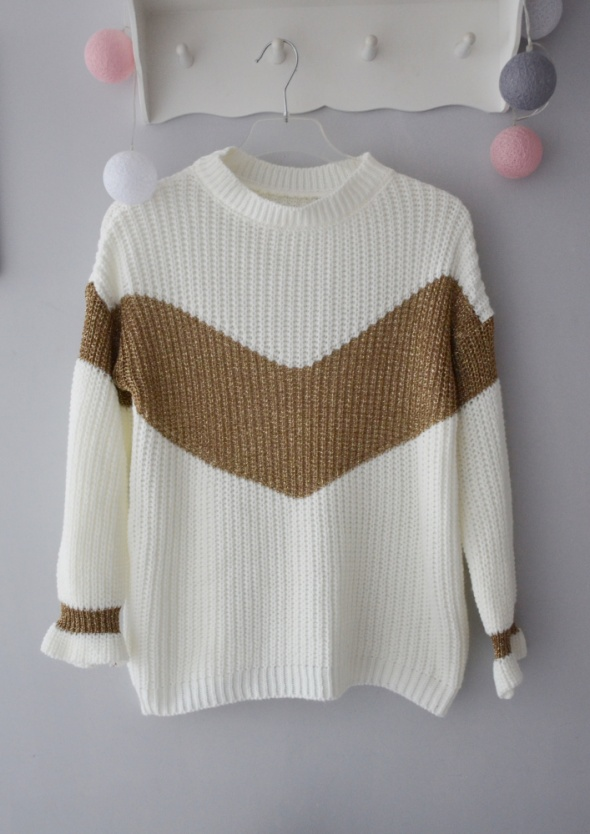 Nowy śliczny biały sweter złote zdobienia brokatowe...