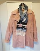 Nowy różowy kożuszek płaszczyk nowy szal gratis...