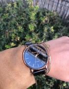 Modny zegarek na bransolecie kolor czarny tarcza czarna koperta...
