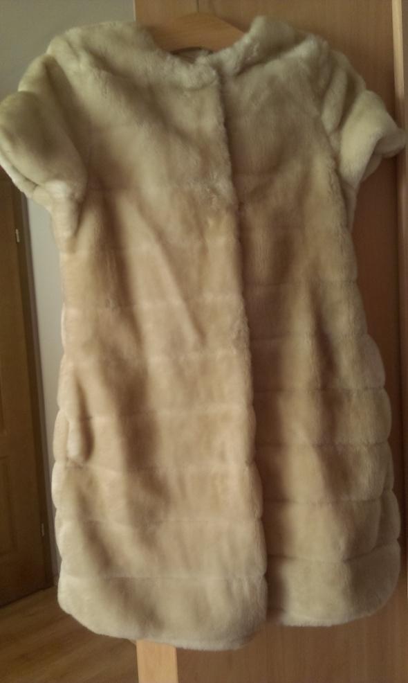 Zara kurtka ze sztucznej skóry z kożuszkiem futerkiem w