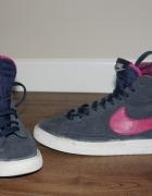 Adidasy Nike...