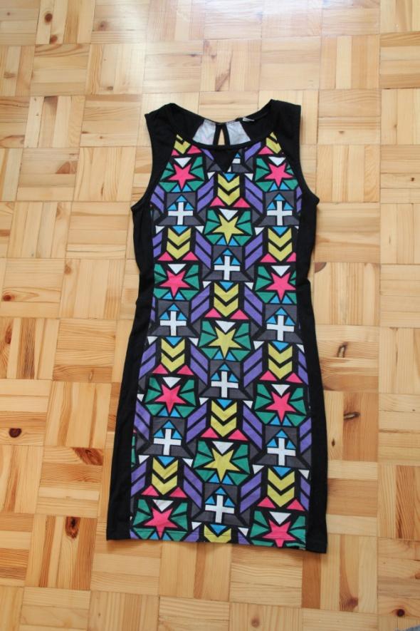 Sukienka dopasowana Terranova