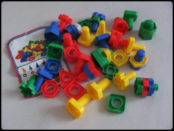 HUACHI zestaw konstrukcyjny klocki śrubki kolorowe kształty...