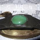Skórzana bransoletka z wielkim zielonym okiem
