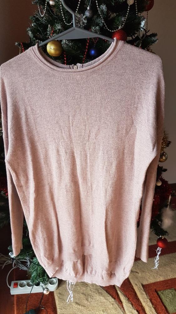 Cudowny różowy sweterek...