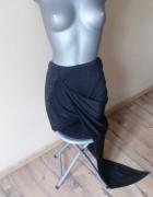 Nowa świetna asymetryczna elastyczna spódniczka...