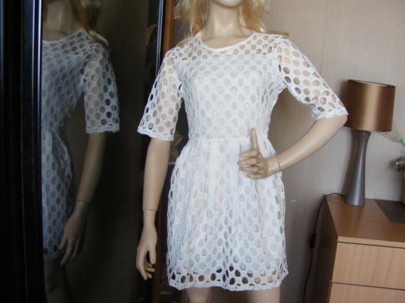 nowa sukienka ażurowa