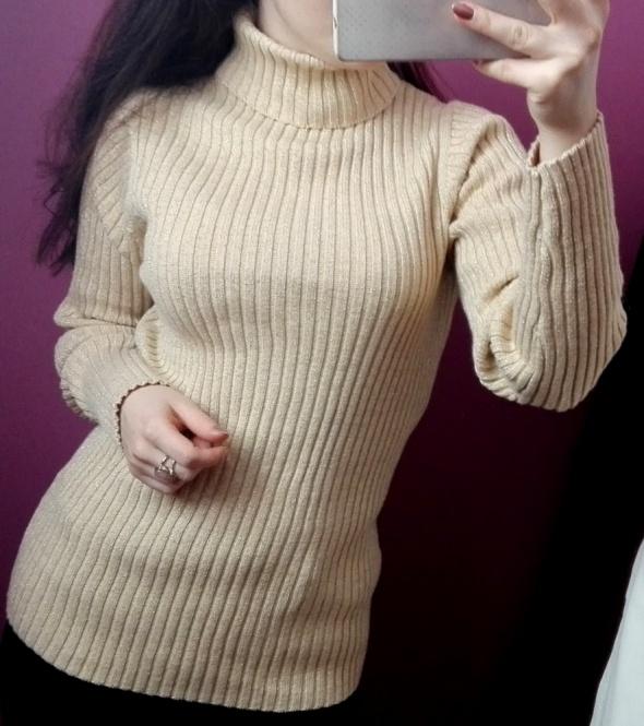 Sweter z golfem prążkowany ze złotą nitką rozmiar S M