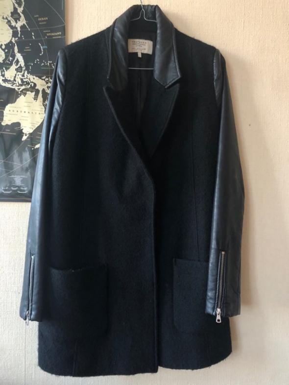 ZARA czarny klasyczny płaszcz...