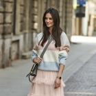 Sweter w kolorowe pastelowe pasy