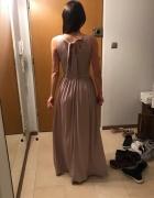 Śliczna beżowa sukienka z delikatnym brokatem...