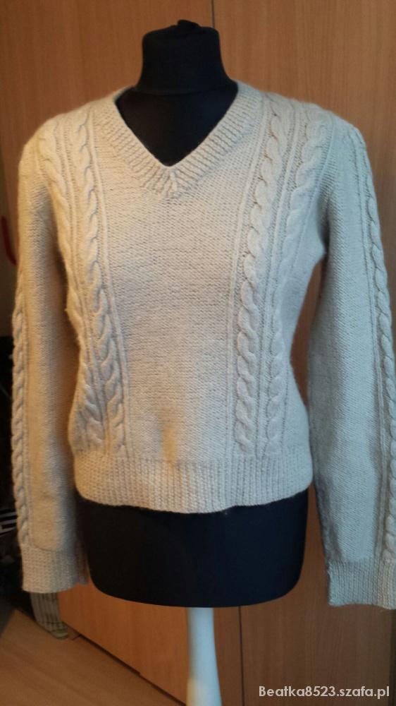 Śliczny sweter