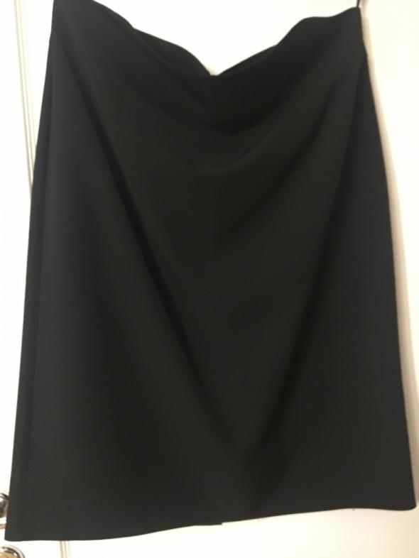 Czarna spódnica jak nowa 46