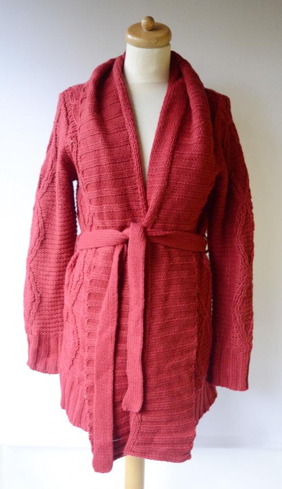 Sweter Czerwony Warkocze Cubus XL 42 Płaszcz Wełniany