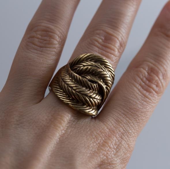 Pierścionki Duży pierścionek Parfois zloty