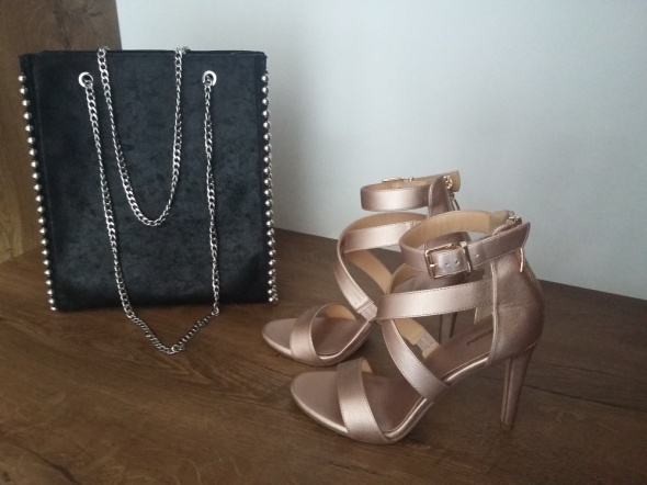 Sandałki złote
