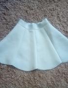 Mini spódniczka Gonto w rozmiarze M...