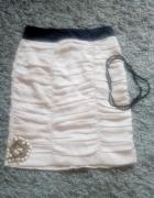 Beżowa spódnica H&M w rozmiarze M...