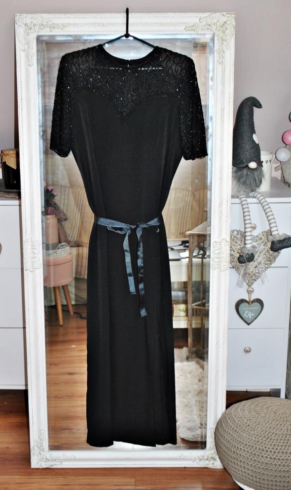 Suknia Sukienka Czarna Długa Maxi Koronka Haft Dekolt Serce Gotycka Gothic Retro Vintage Unikat
