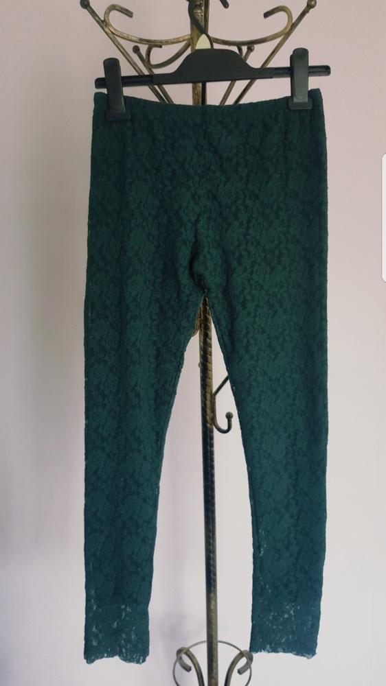 Koronkowe legginsy