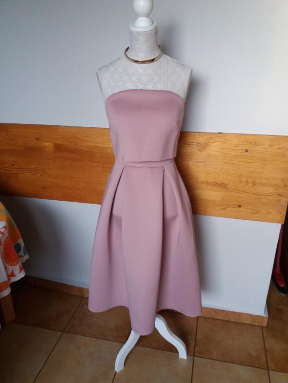 Sukienka rozkloszowana pudrowy róż Asos 34