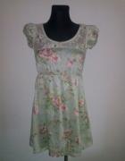 Urocza sukienka kwiaty koronka XS S...