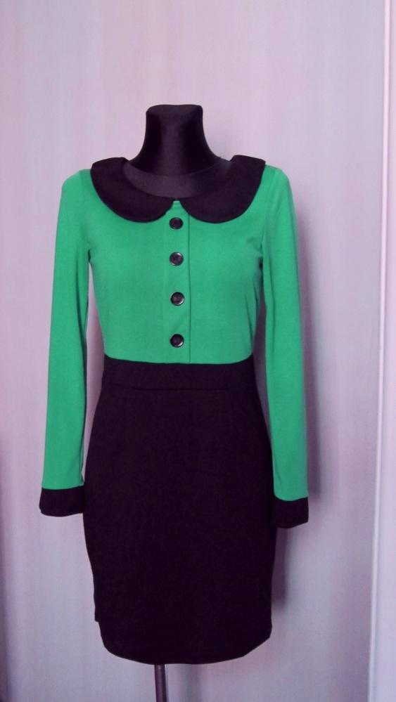Czarno zielona sukienka z kołnierzykiem