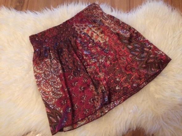 Cleo folkowa spódnica spódniczka rozkloszowana wzory wzór aztec czerwona