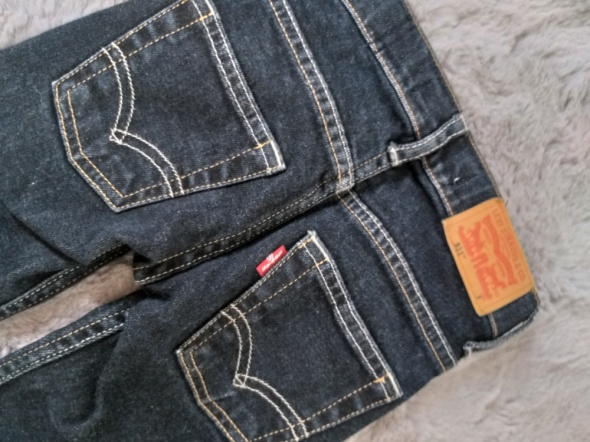Spodnie jeansy Levis 3...