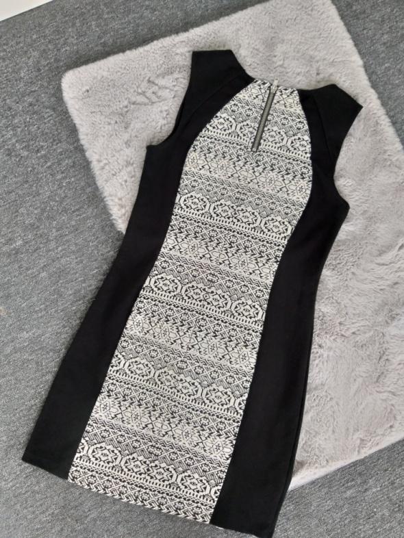 Suknie i sukienki Sukienka H&M rM