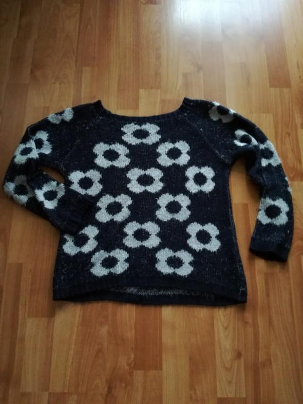 Ciepły sweter M luźny krój granatowy