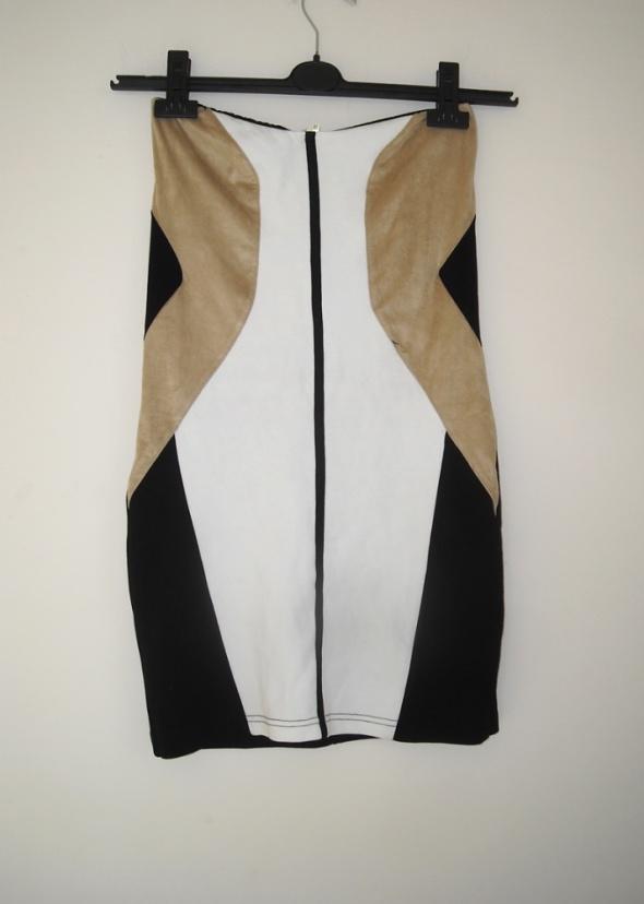 Suknie i sukienki sukienka stradivarius wstawki m s