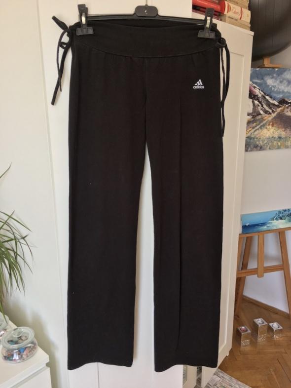Czarne spodnie fitness Adidas rozm L